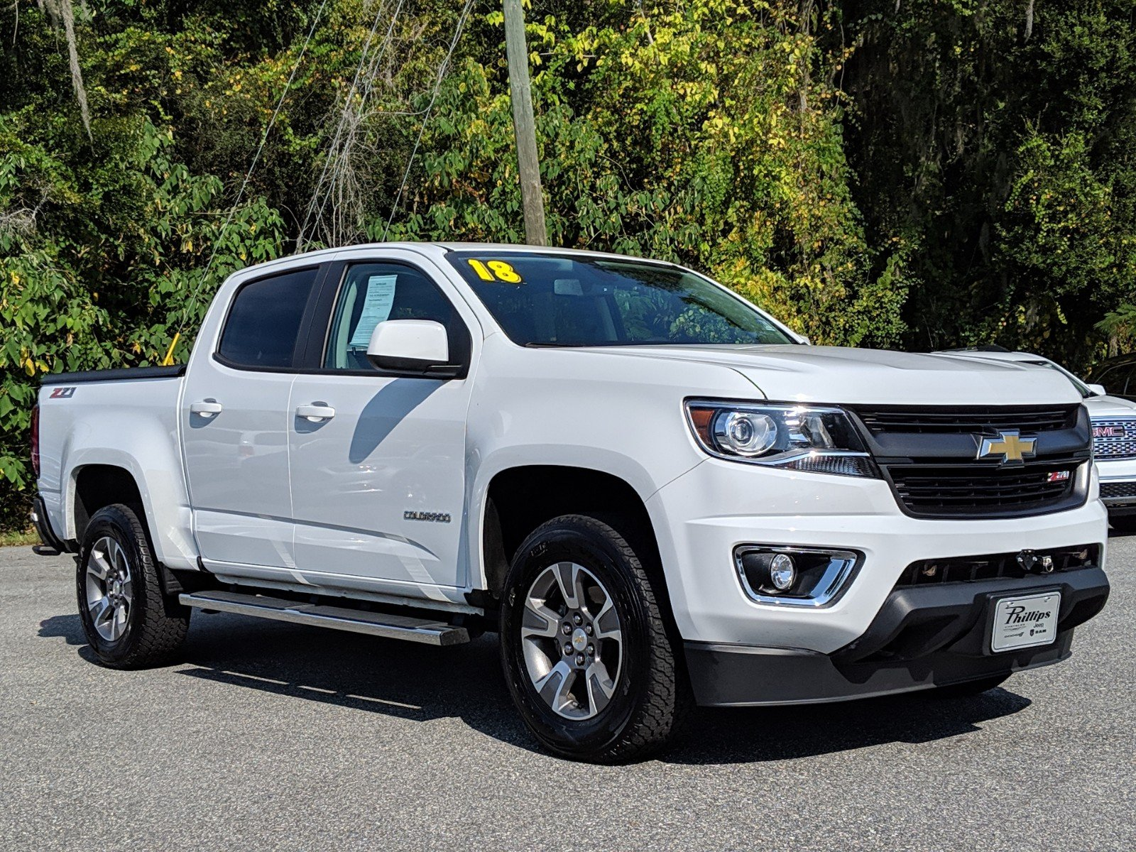 Chevy Colorado 2018 >> Pre Owned 2018 Chevrolet Colorado Z71 4wd 4d Crew Cab