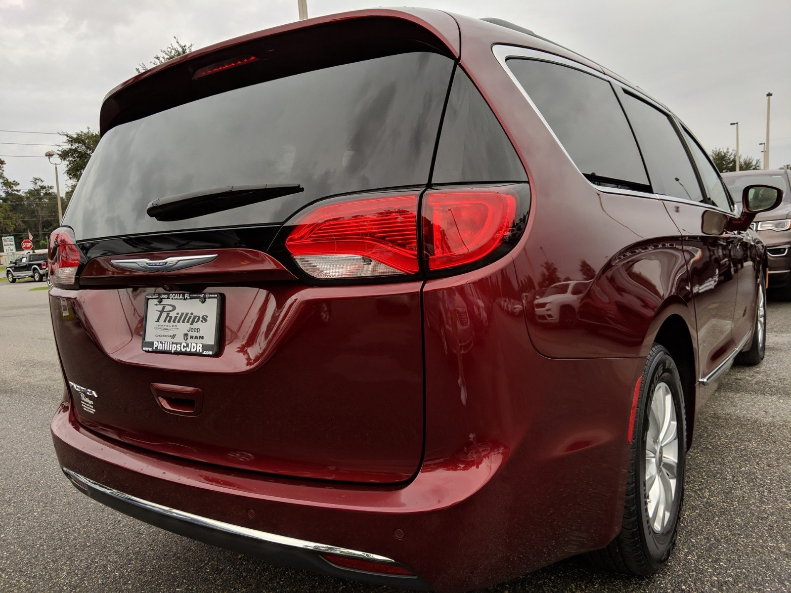 Certified Pre-Owned 2017 Chrysler Pacifica Touring L